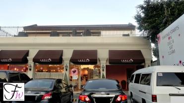 Outside Larcys Cupcakery Cafe
